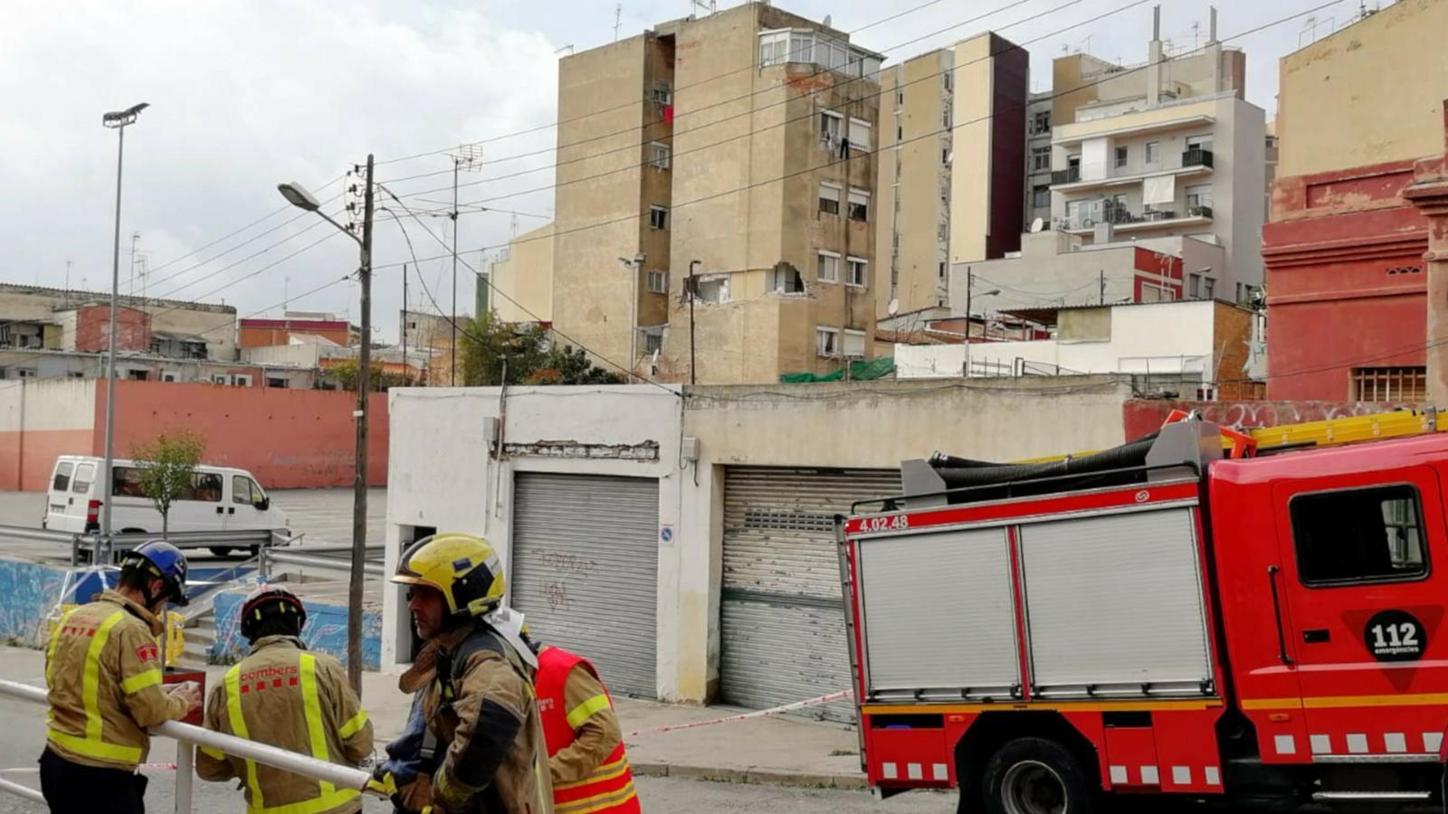 Desallotjats 100 veïns a Badalona per risc d'esfondrament d'un edifici