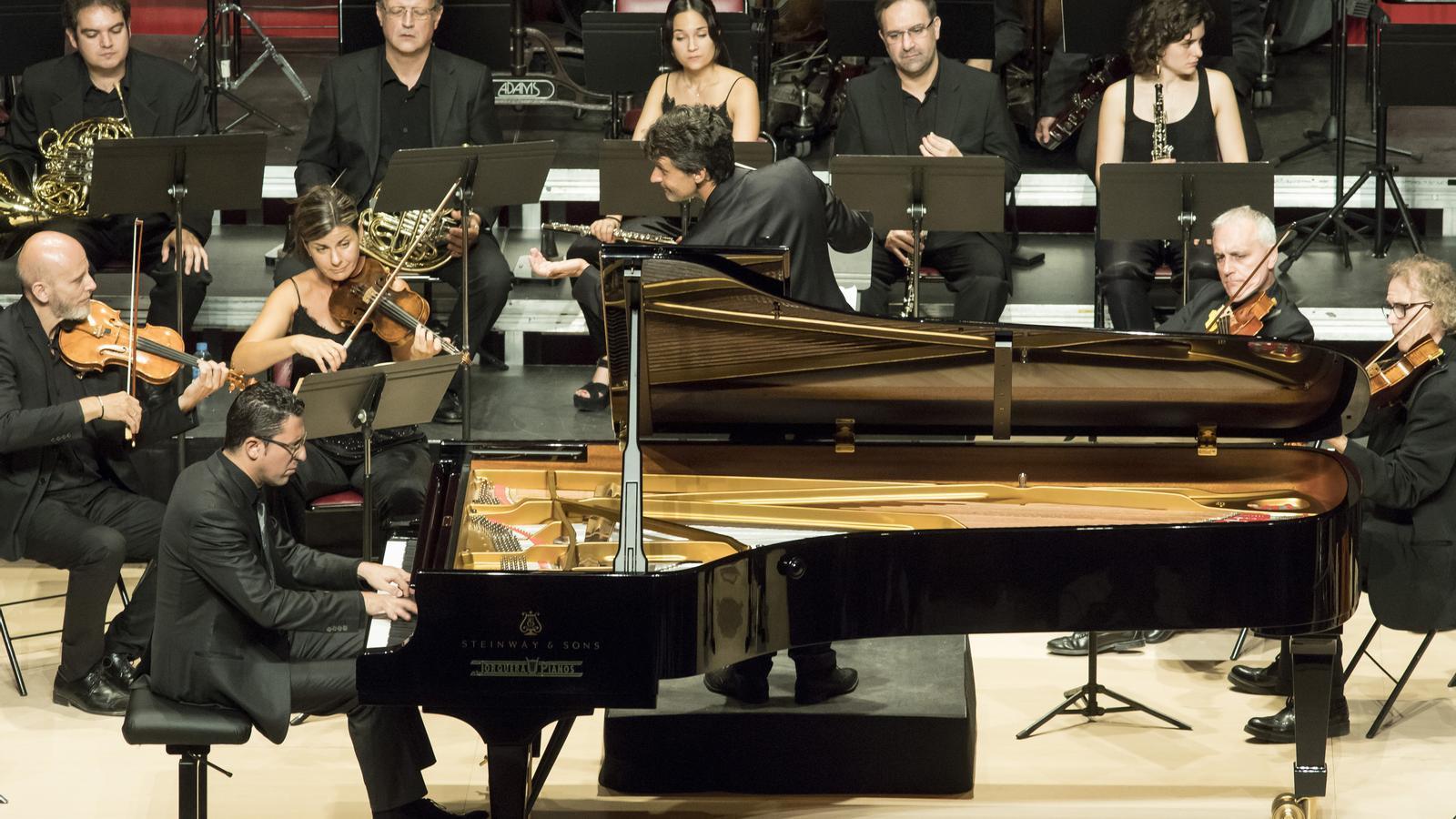 Giuseppe Andaloro  i l'Orquestra Simfònica del Vallès, al  Festival de Torroella de 2019.