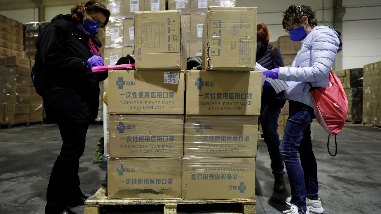 Arribada al País Valencià de part del material sanitari provinent de la Xina