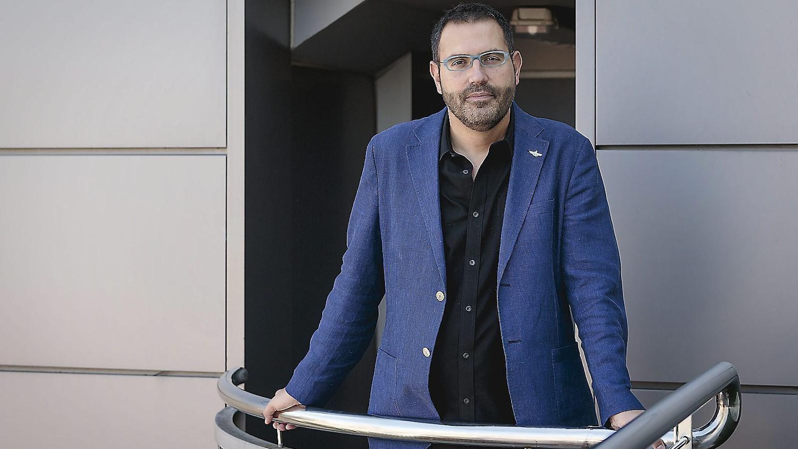 Manuel Forcano anuncia al seu equip que deixa la direcció de l'Institut Ramon Llul