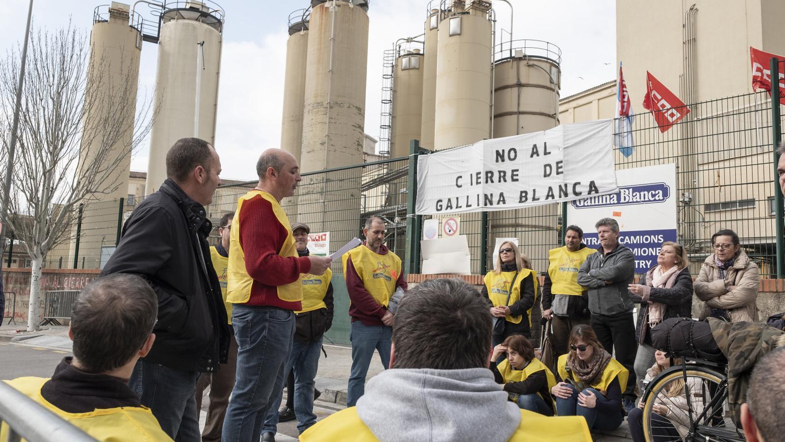 La plantilla de Gallina Blanca, en vaga per impedir el trasllat a Osca