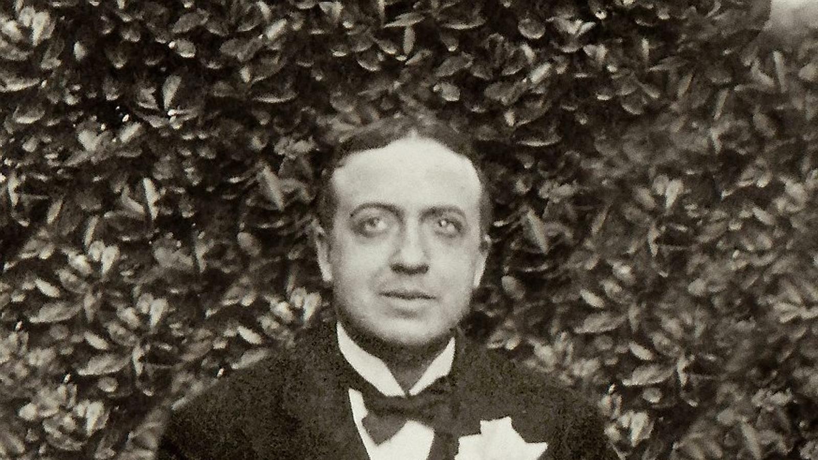 """Josep Carner i Puig-Oriol (Barcelona, 1884 - Brussel·les, 1970) és, segons l'editor Jordi Cornudella, """"el gran autor clàssic del segle XX català""""."""