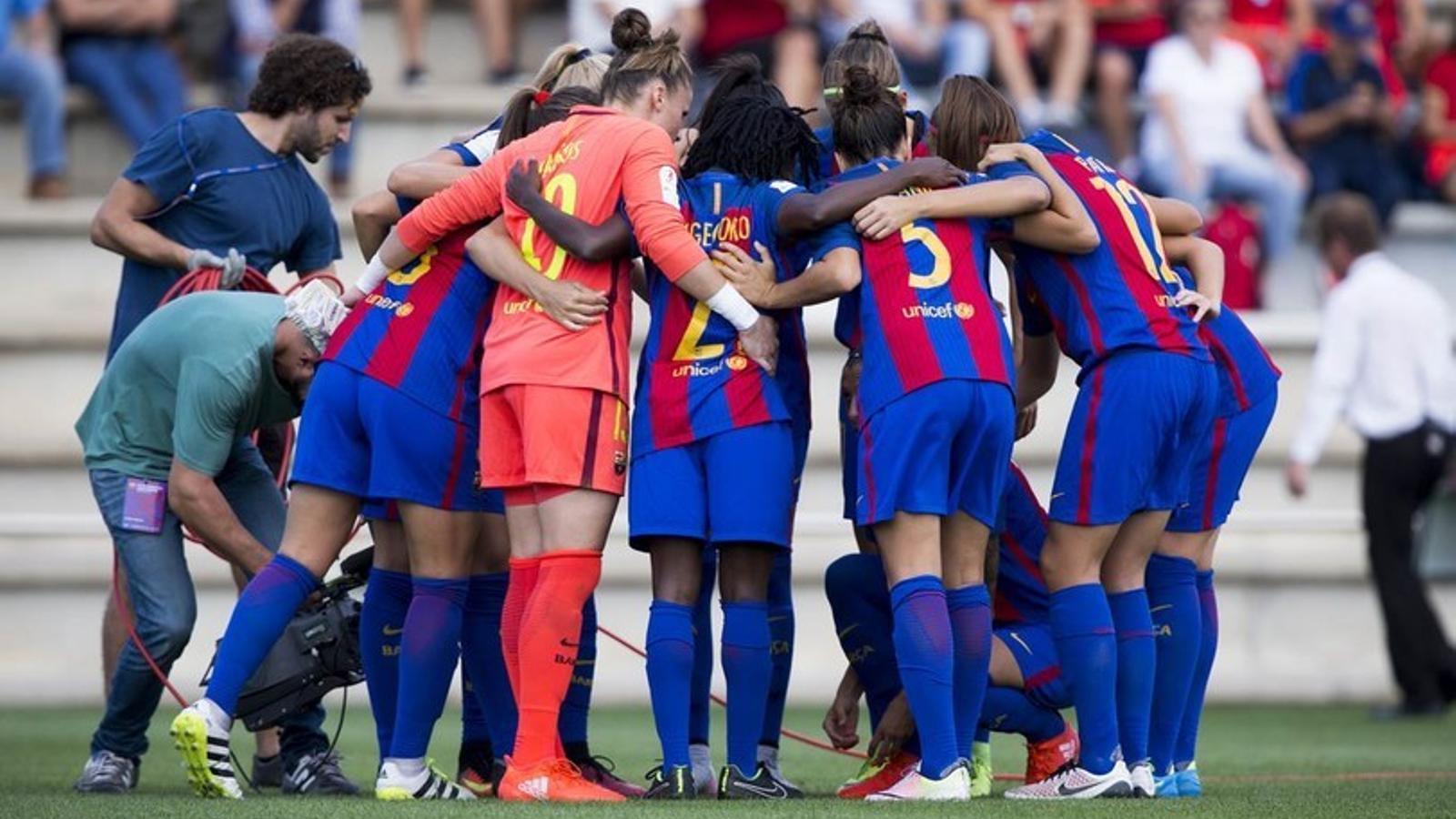 El Barça femení abans de jugar contra l'Athletic