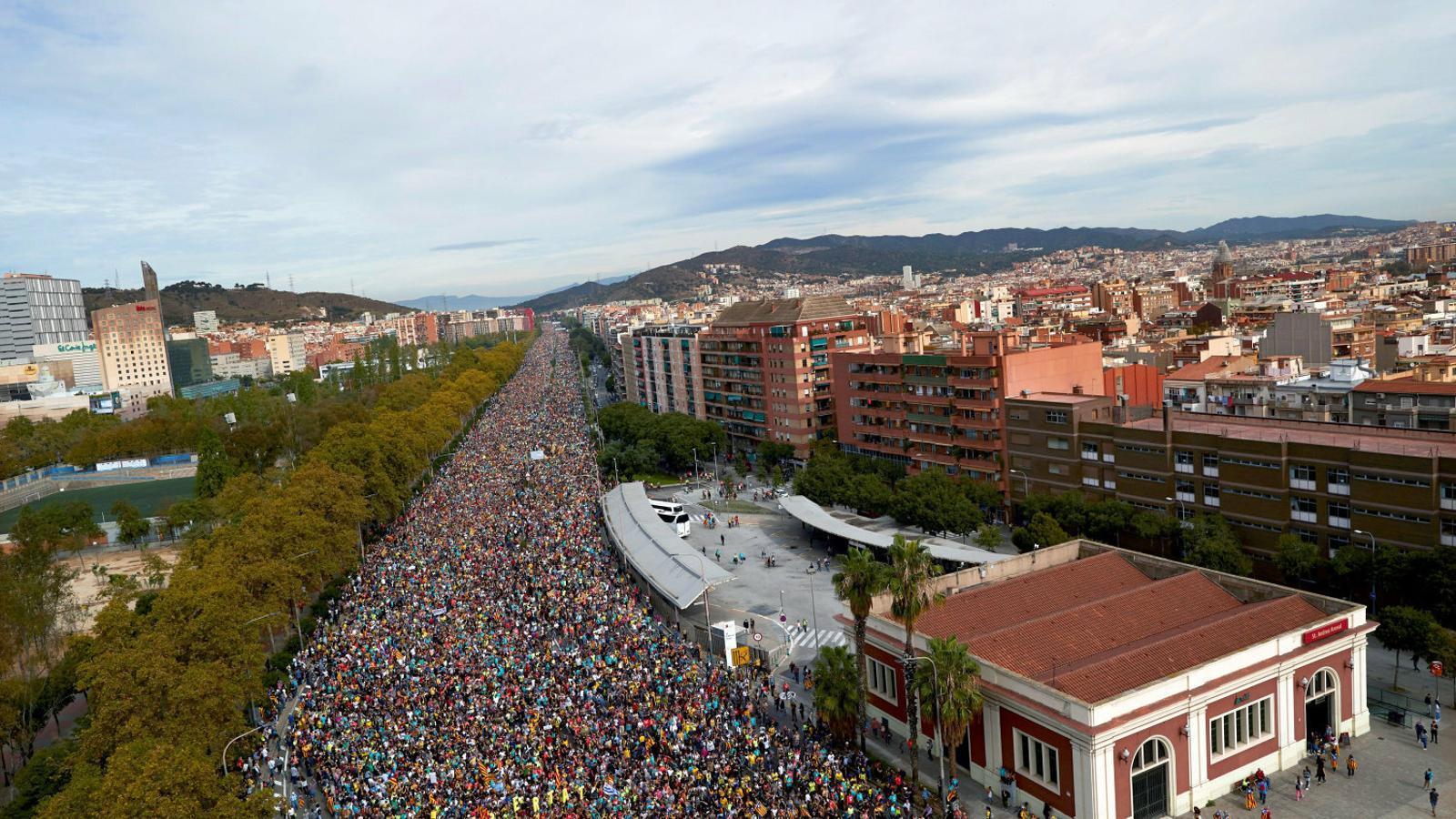 Les columnes provinents de Berga i Vic van arribar ahir a l'avinguda Meridiana de Barcelona.