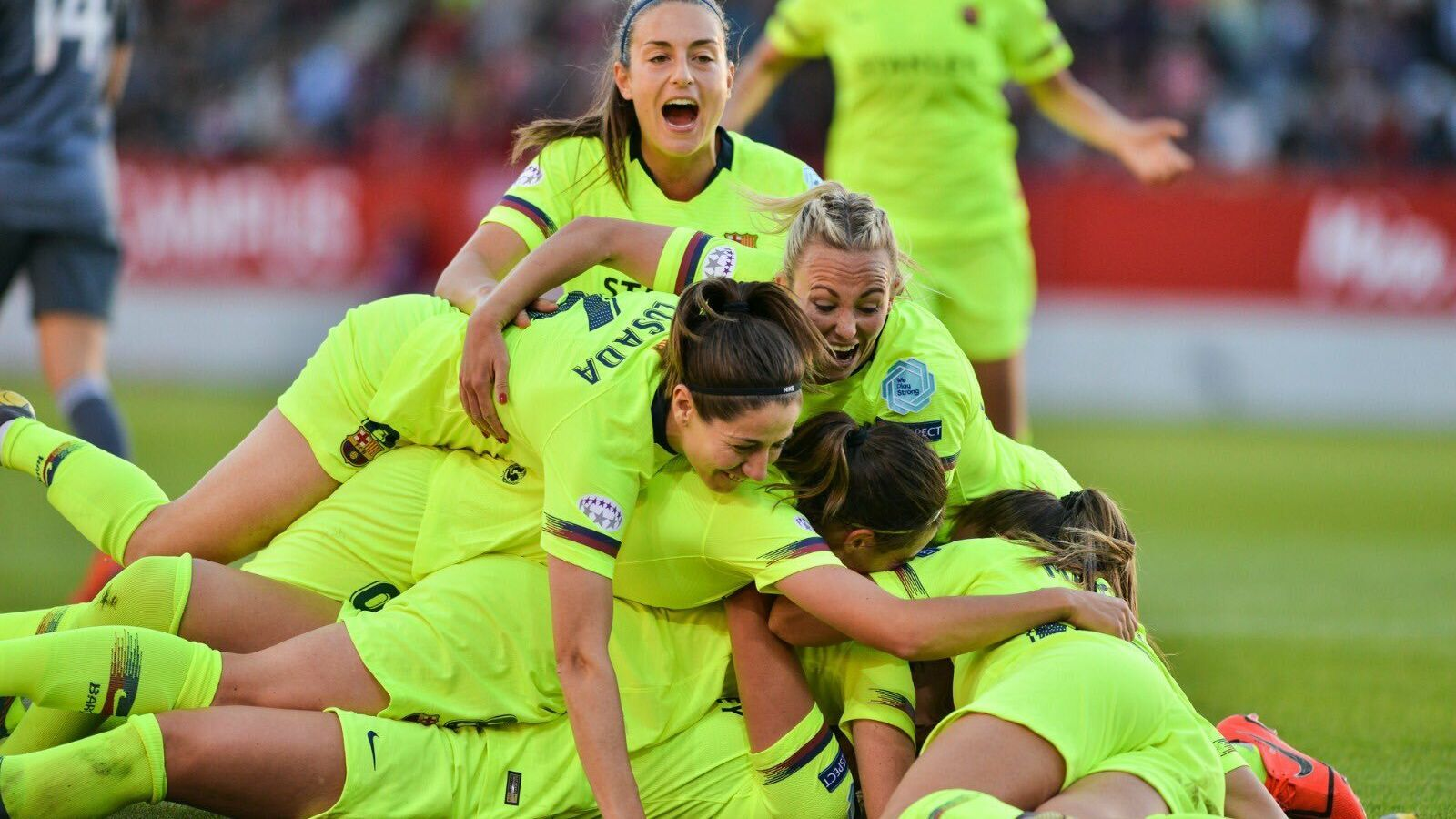 El Barça celebrant el gol de Hamraoui a Munic