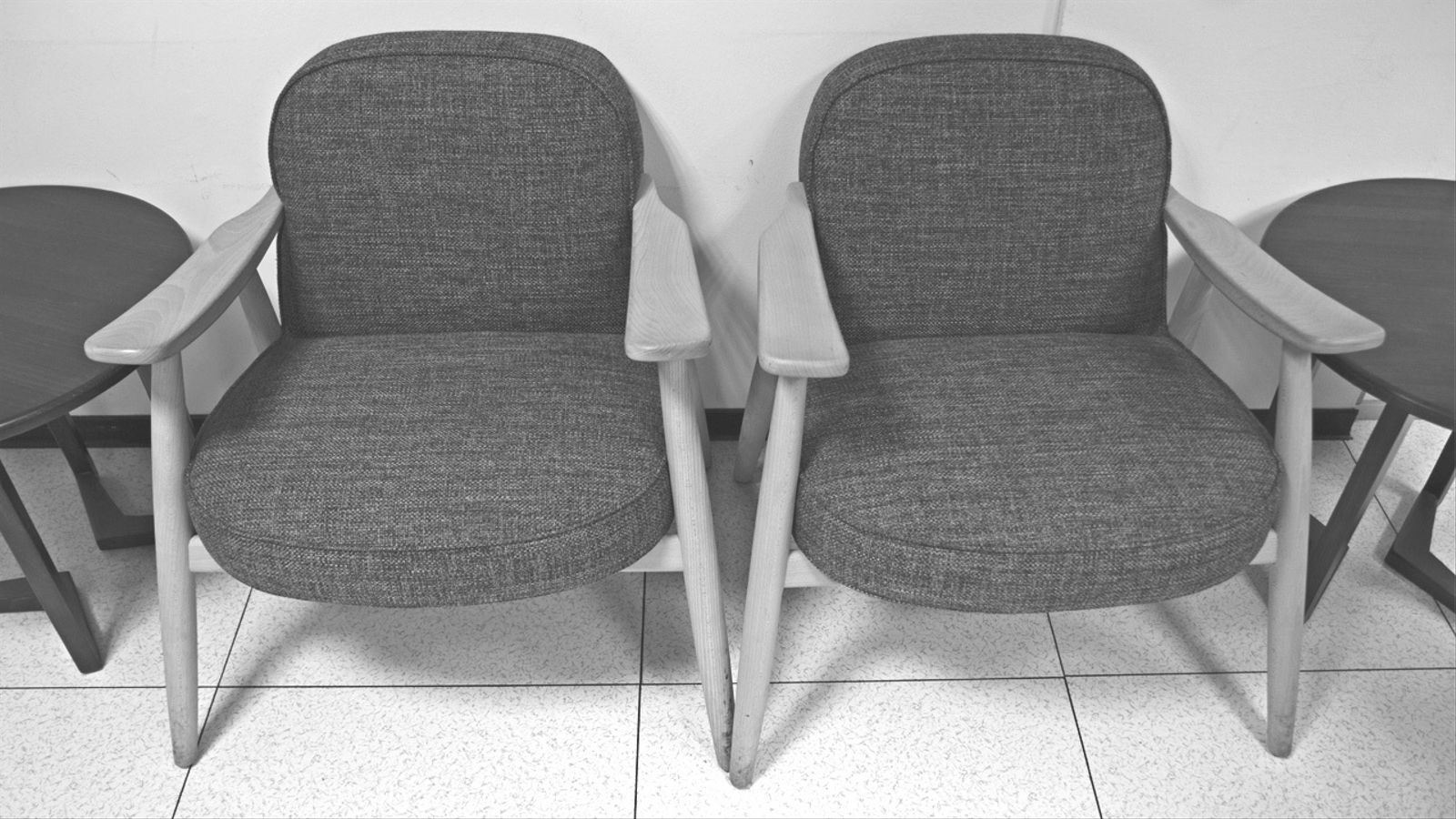L'anàlisi d'Antoni Bassas: 'Dues cadires buides'