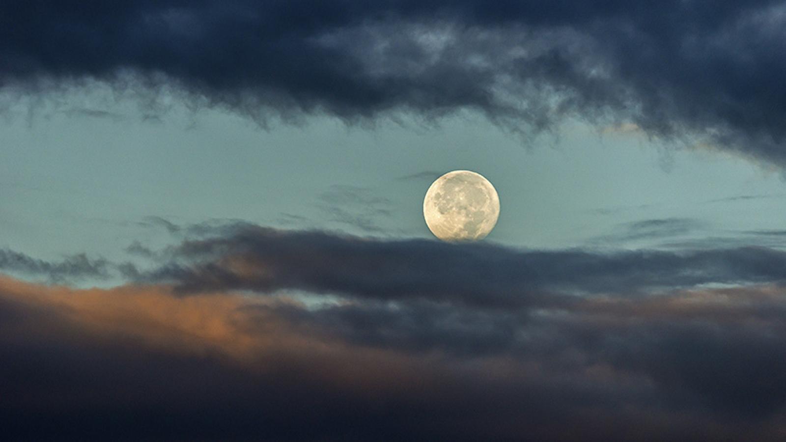 Les vostres fotos de la primera lluna plena de tardor