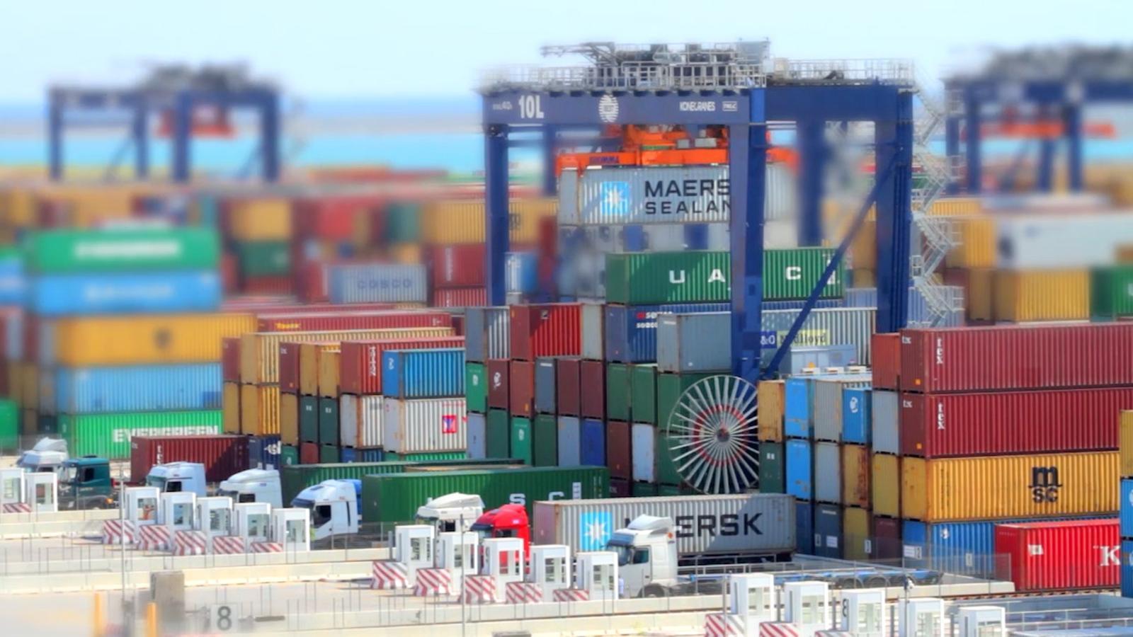 Ara Obres: Quin és el recorregut d'un contenidor al Port de Barcelona?