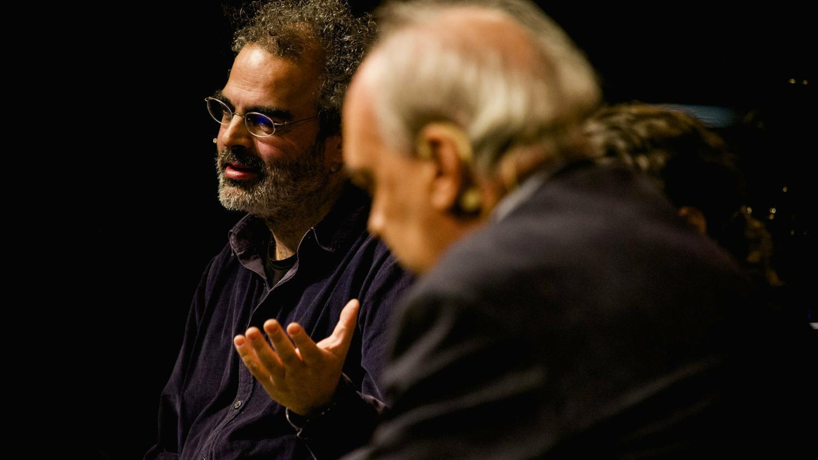 Vila-Matas i Tavares elogien la complexitat literària amb sentit de l'humor al Kosmopolis