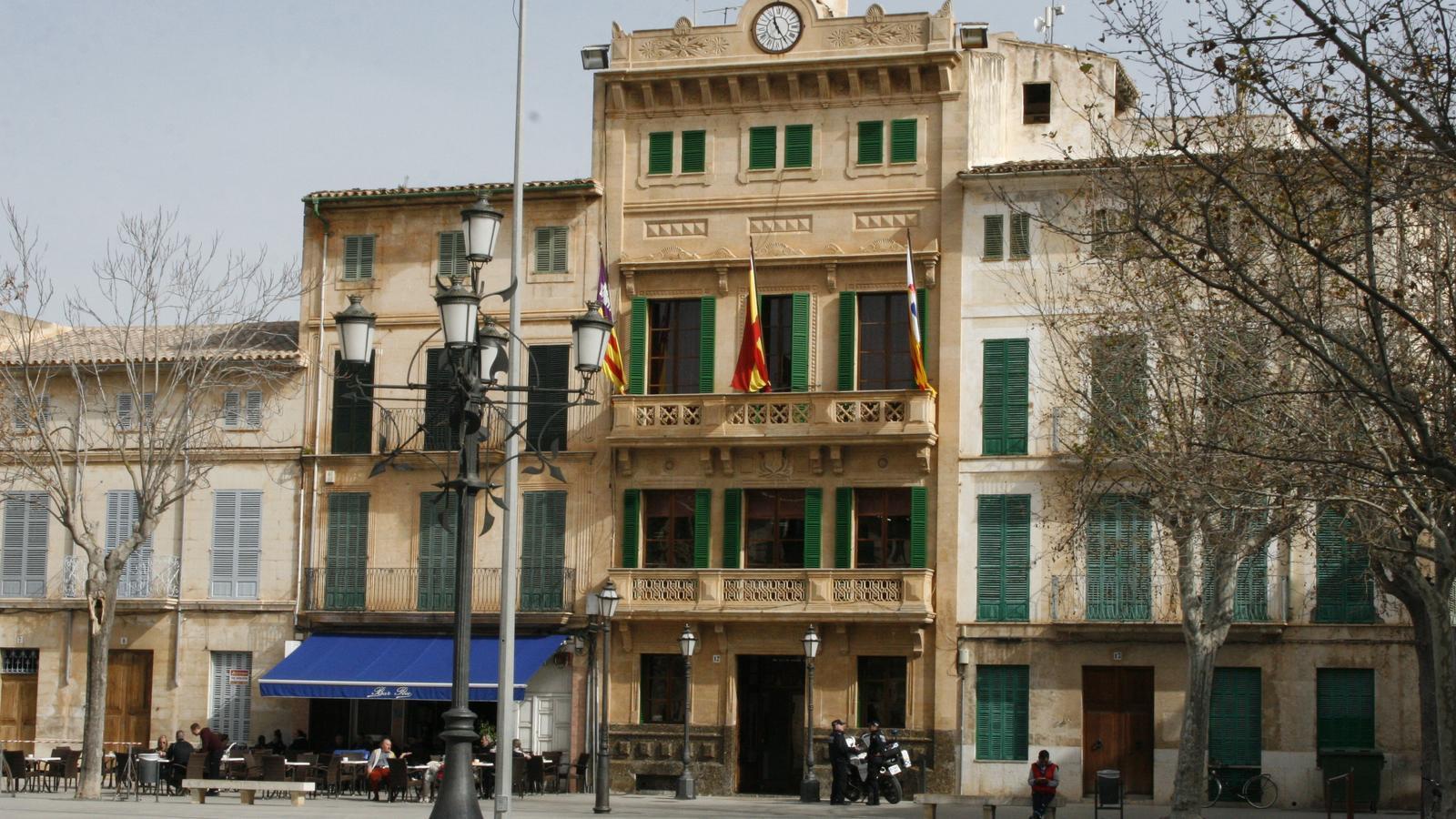 L'Ajuntament de Llucmajor ja té aprovat el nou organigrama polític.