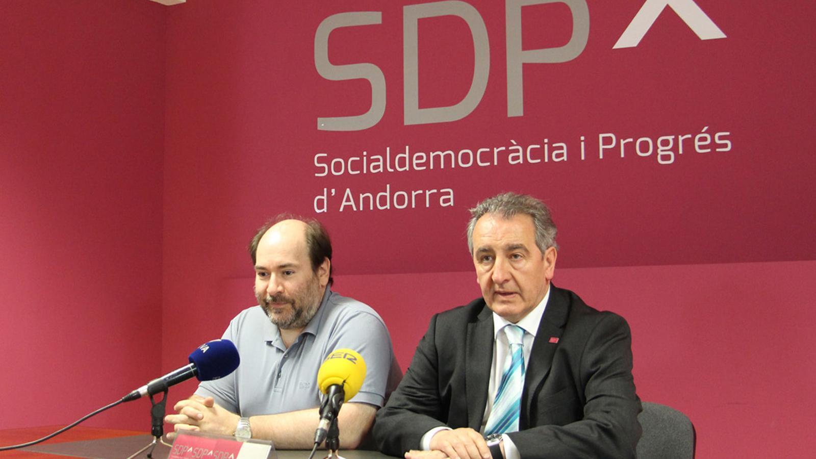 El secretari d'organització d'SDP, Joan-Marc Miralles i el preisdent de la formació, Jaume Bartumeu