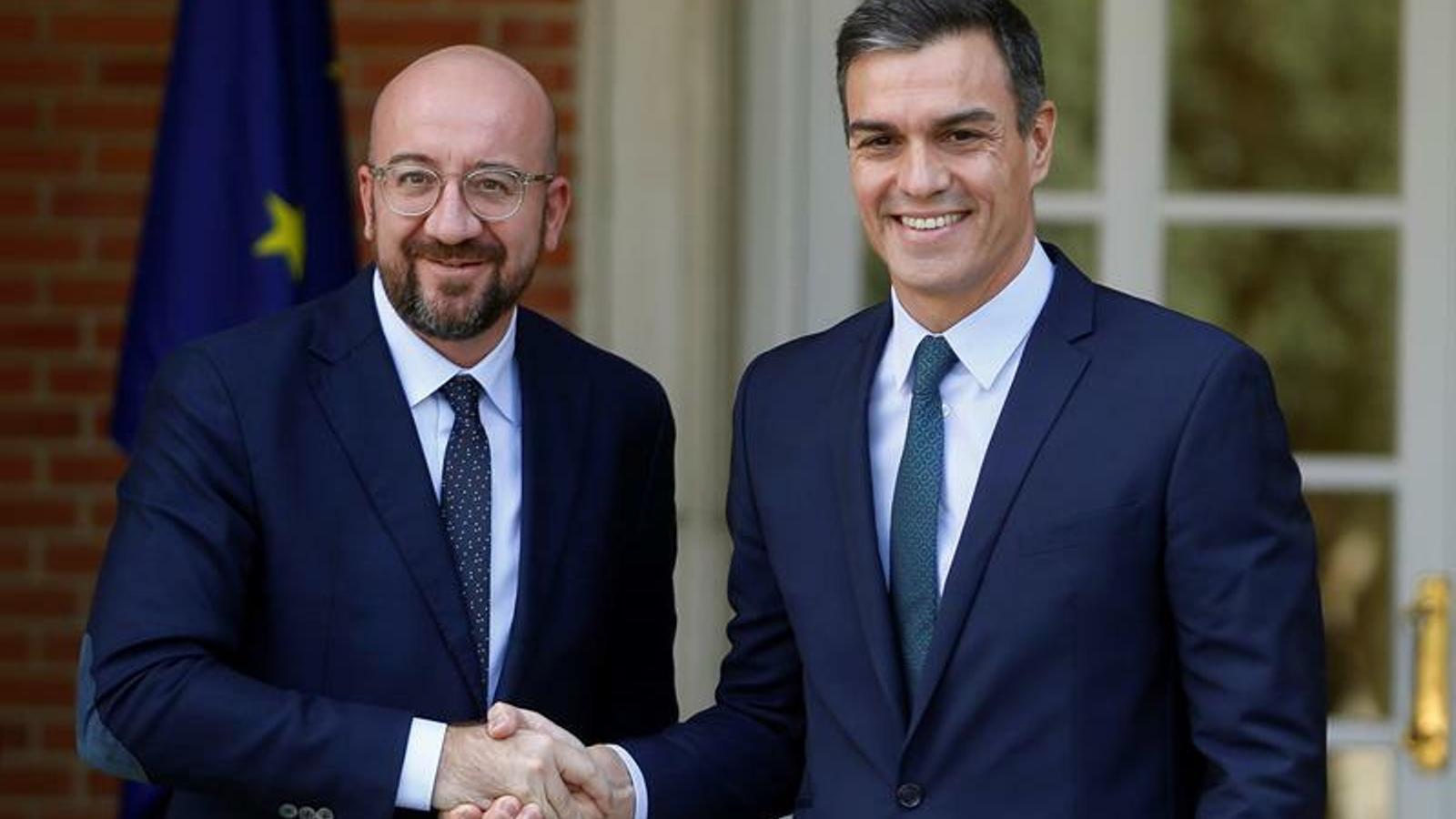 El president electe del consell europeu, Charles Michel, i el president del govern espanyol en funcions, Pedro Sánchez, a la Moncloa