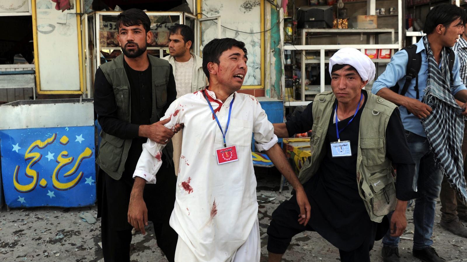 Desesperació a Kabul després de l'atemptat suïcida de l'Estat Islàmic d'aquest dissabte