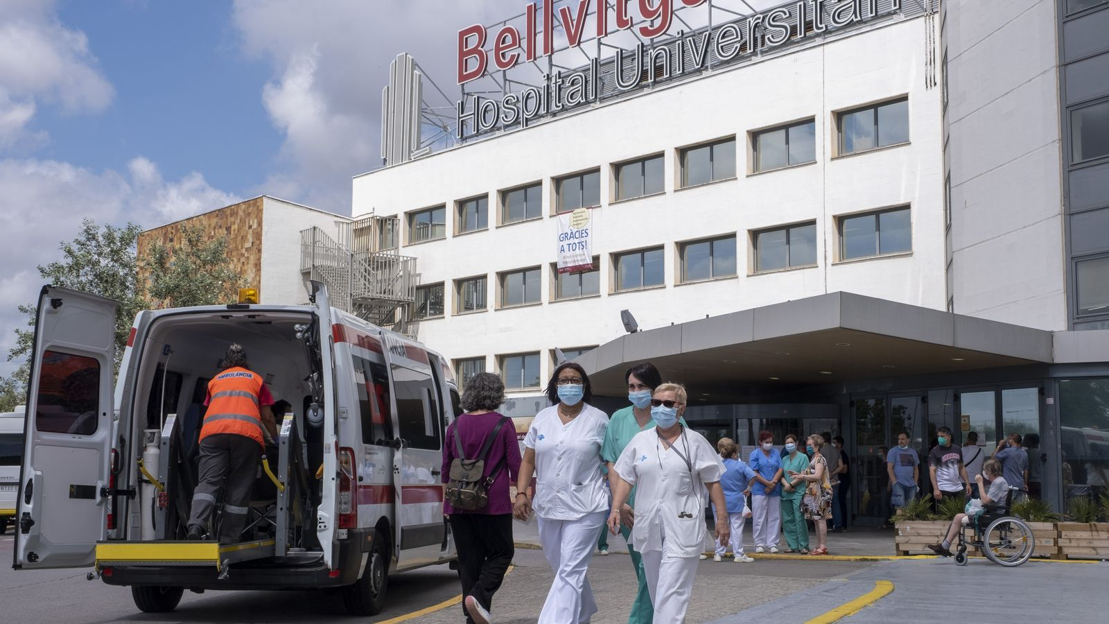 Catalan hospitals postpone non-urgent operations to deal with Covid spike