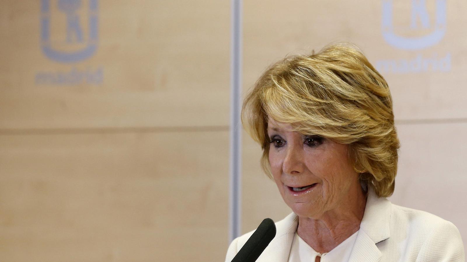 Esperanza Aguirre anunciant que dimiteix