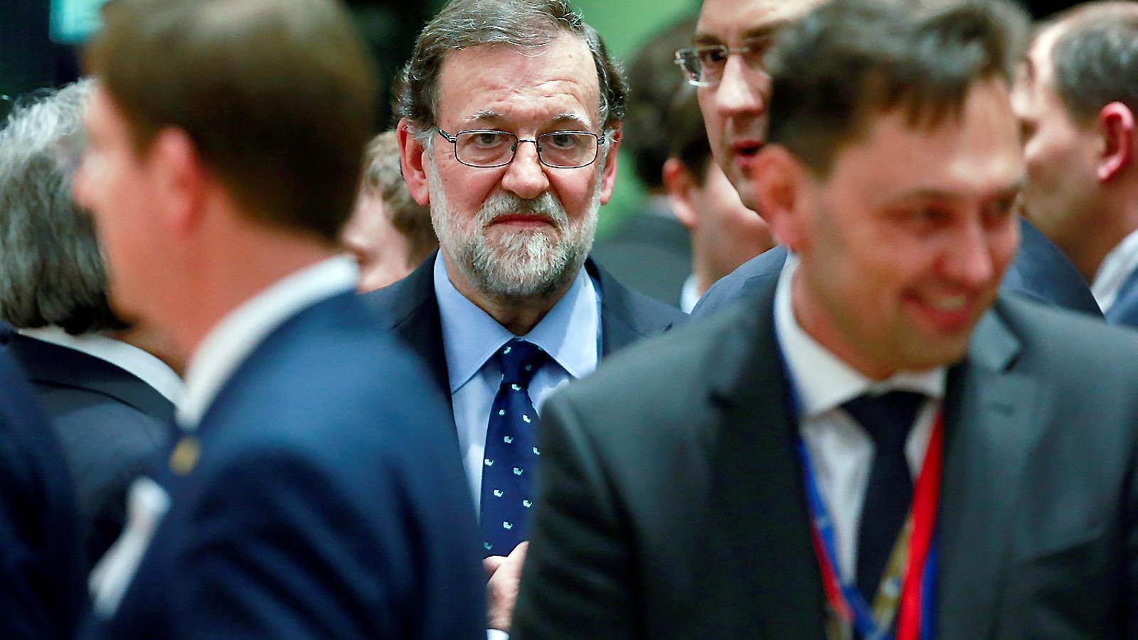 Mariano Rajoy, que ahir era a Brussel·les, va anunciar a Twitter la xifra de dèficit públic amb què Espanya va tancar l'any passat.