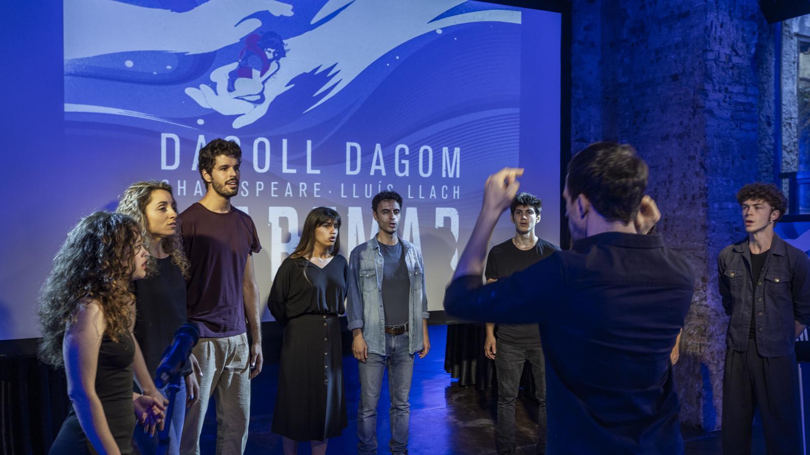 Dagoll Dagom es mulla sobre el drama dels refugiats amb el nou musical 'Maremar'