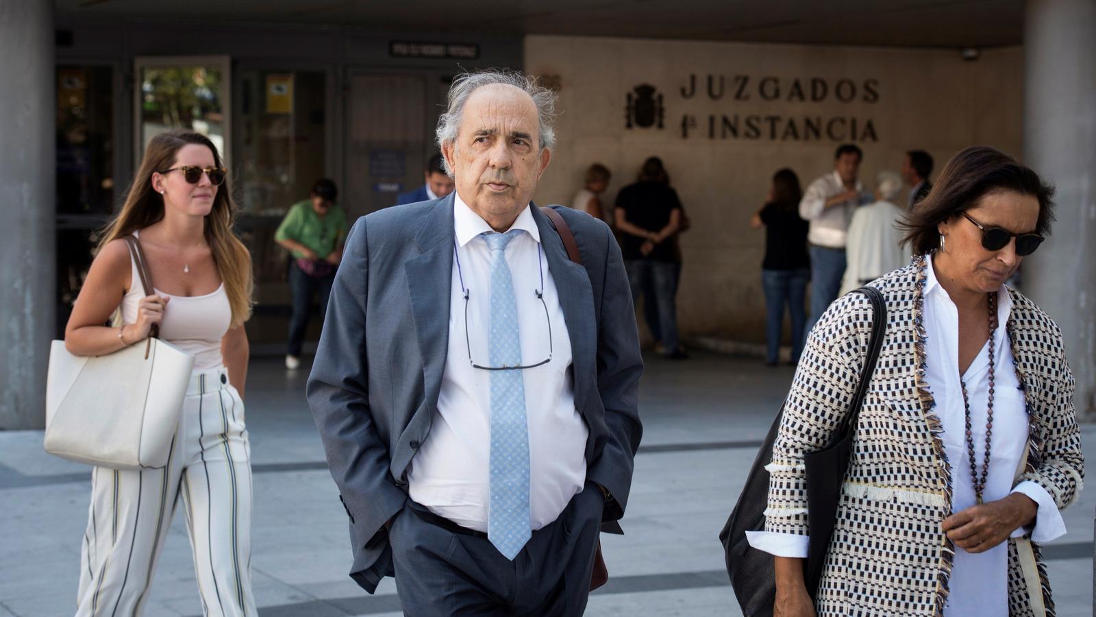 Álvarez Conde, a la sortida dels jutjats