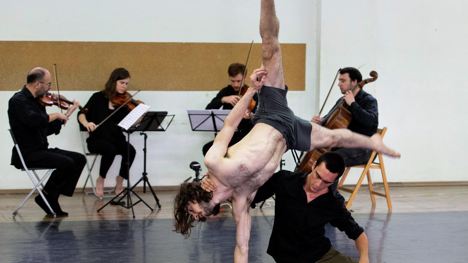 El Ballet Contemporani de Catalunya assaja a Terrassa