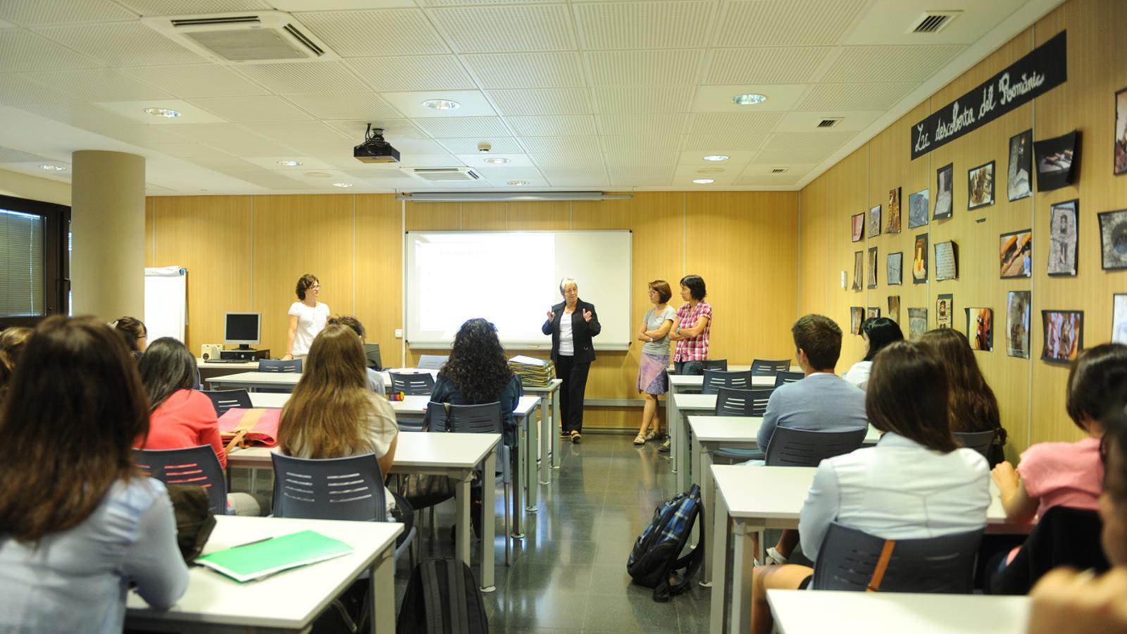 Estudiants de la Universitat d'Andorra en plena classe. / ARXIU ANA