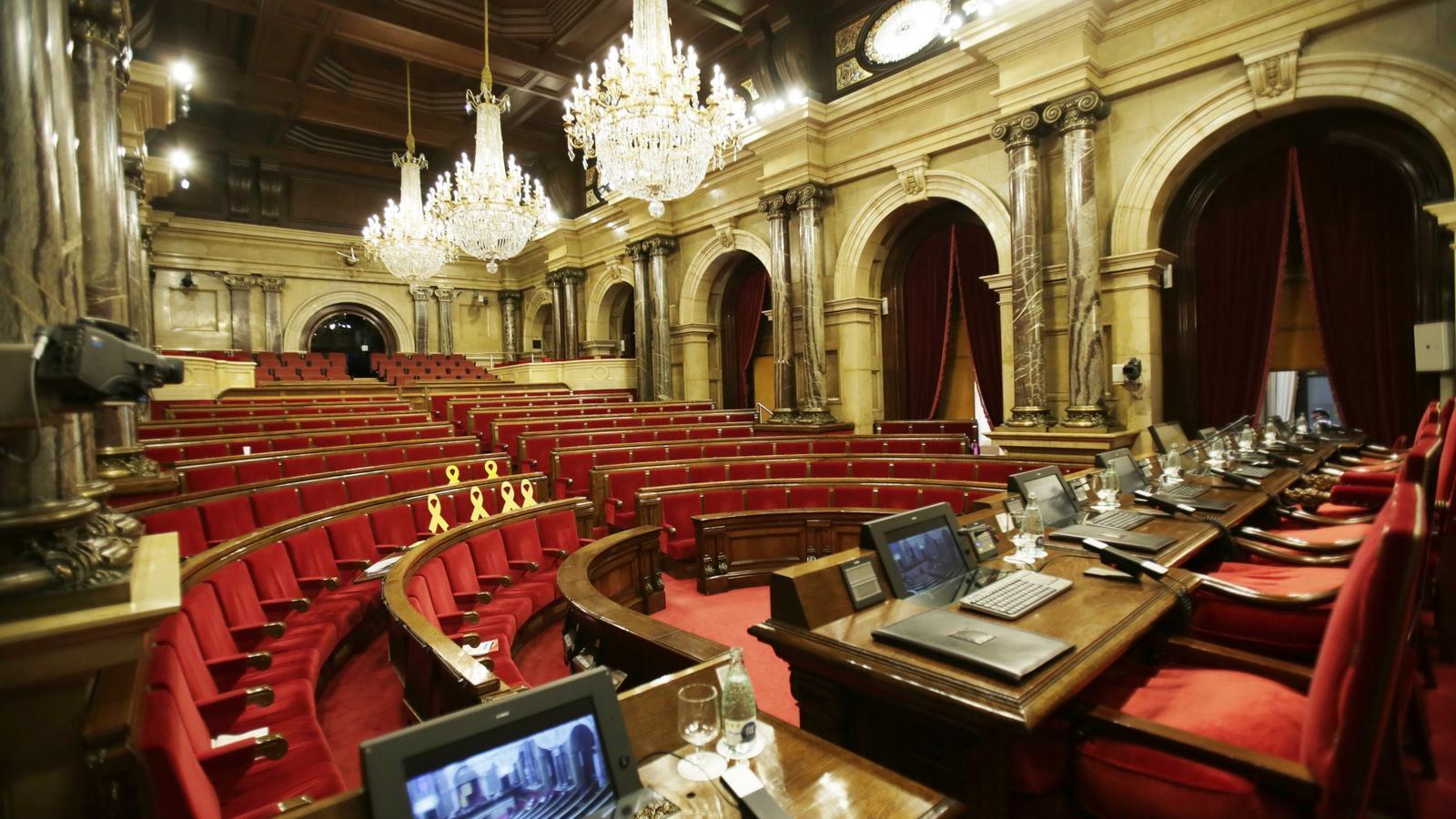 Torrent desconvoca el ple per falta d'acord entre ERC i JxCat sobre la suspensió dels diputats