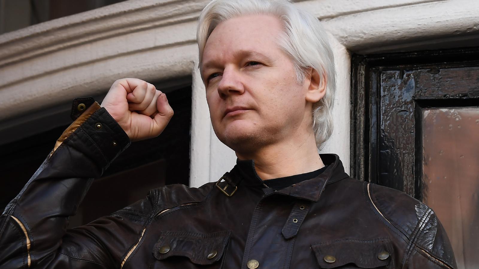 Julian Assange, en una imatge d'arxiu del maig del 2017, quan encara es refugiava a l'amabixada d'Equador a Londres