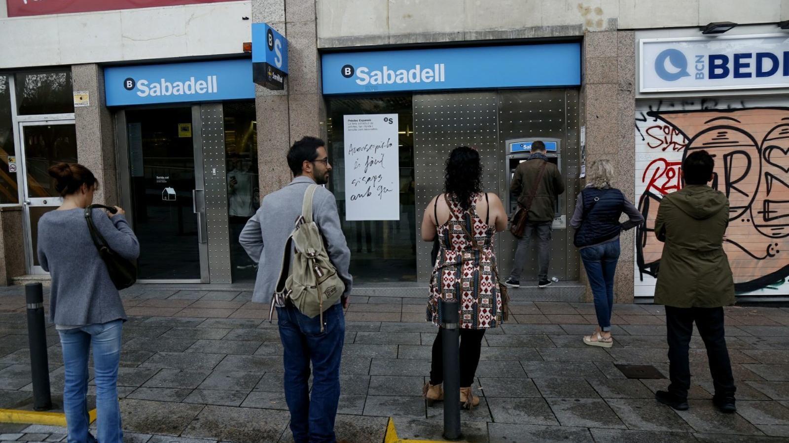 L'economista Antón Costas, sobre retirar diners dels bancs: