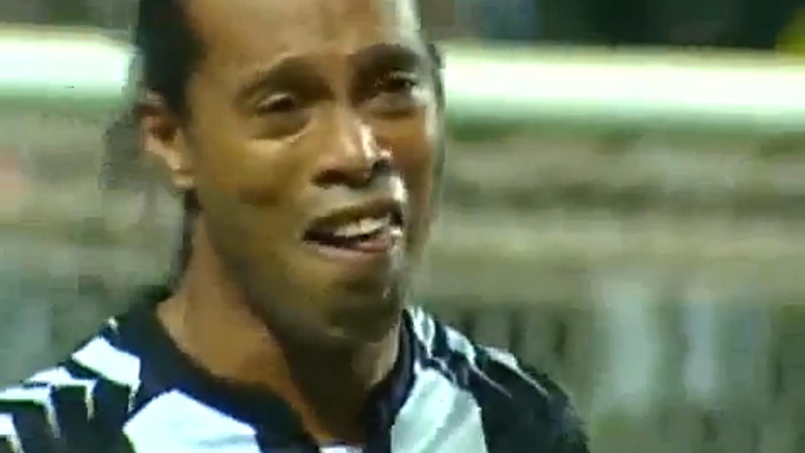 Espectacular hat-trick de Ronaldinho amb l'Atletico Mineiro