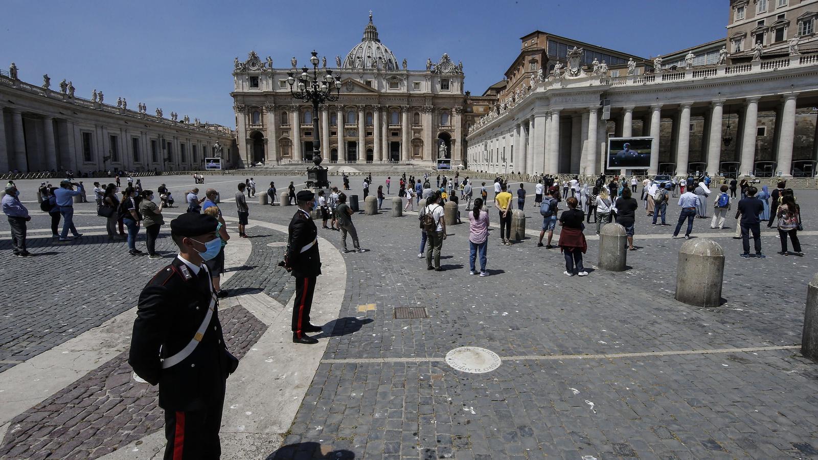La plaça de Sant Pere de la Ciutat del Vaticà durant la pandèmia del coronavirus