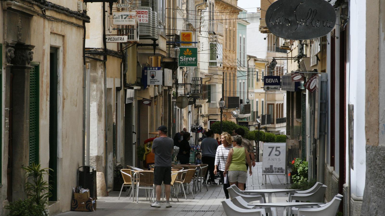 La situació irregular de locals comercials s'han detectat, entre altres punts, en el centre de la ciutat.