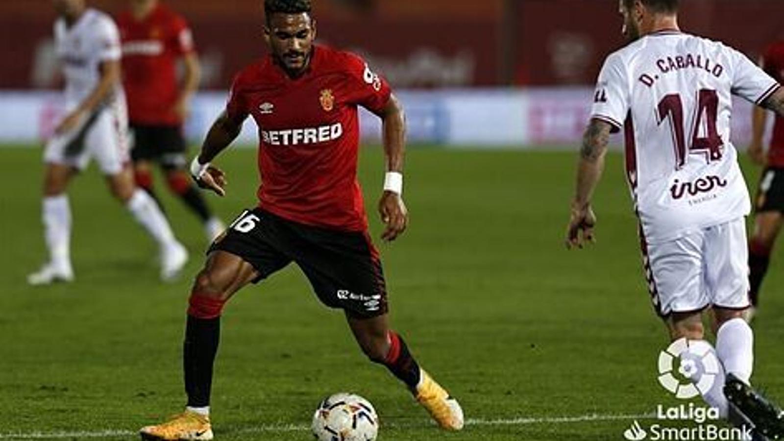 Jordi Mboula durant el partit contra l'Albacete