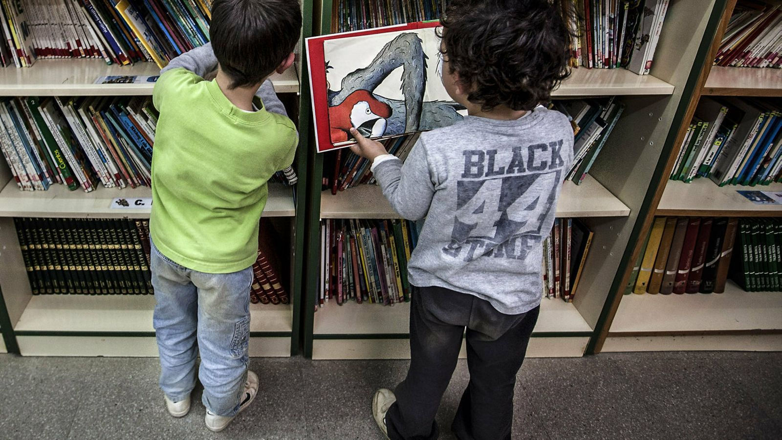 Llibres infantils sexistes: cal retirar-los o reinterpretar-los?