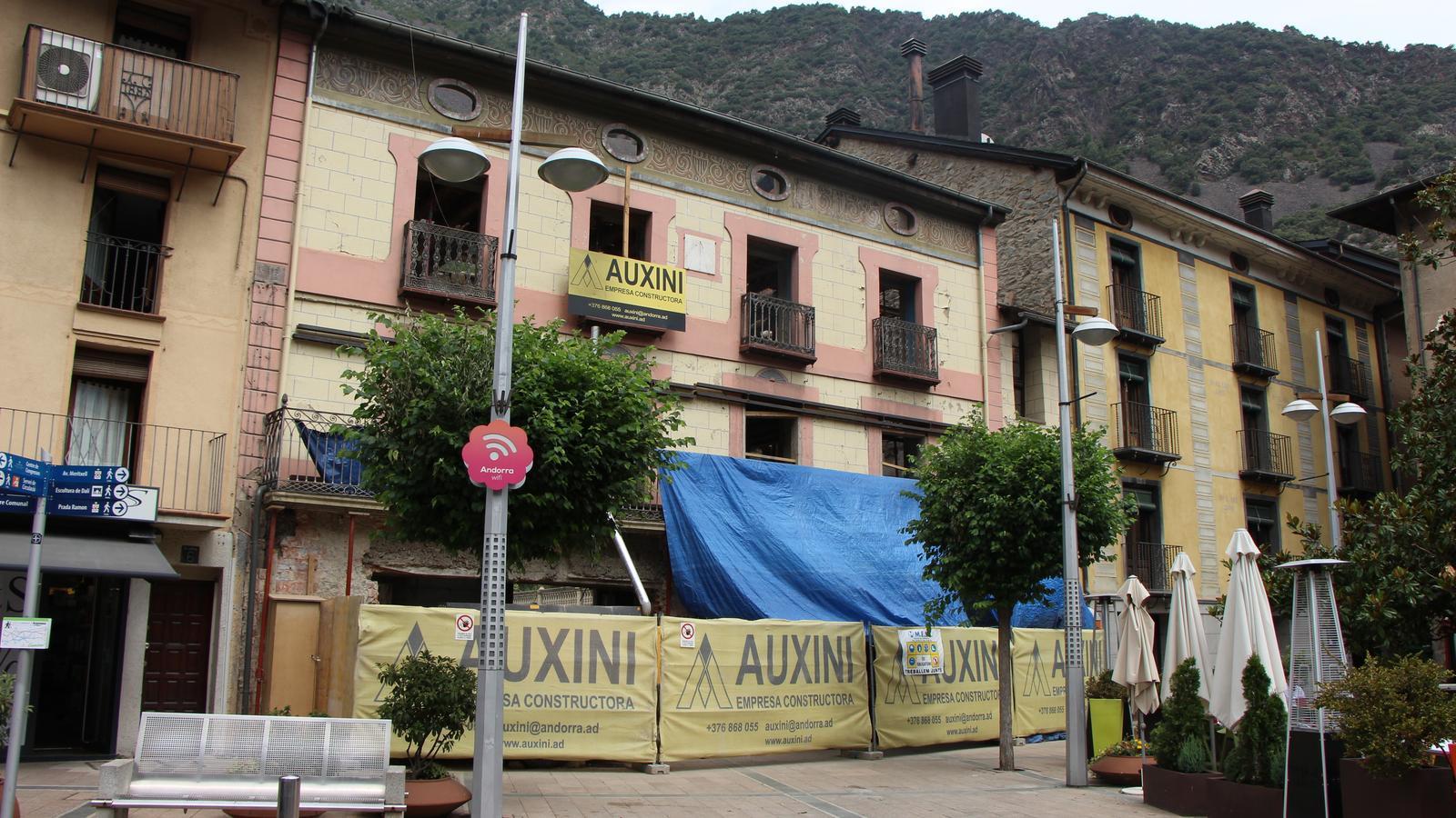 Vista general de l'edifici de Cal Cintet, on anirà Can Manel. / ARA ANDORRA