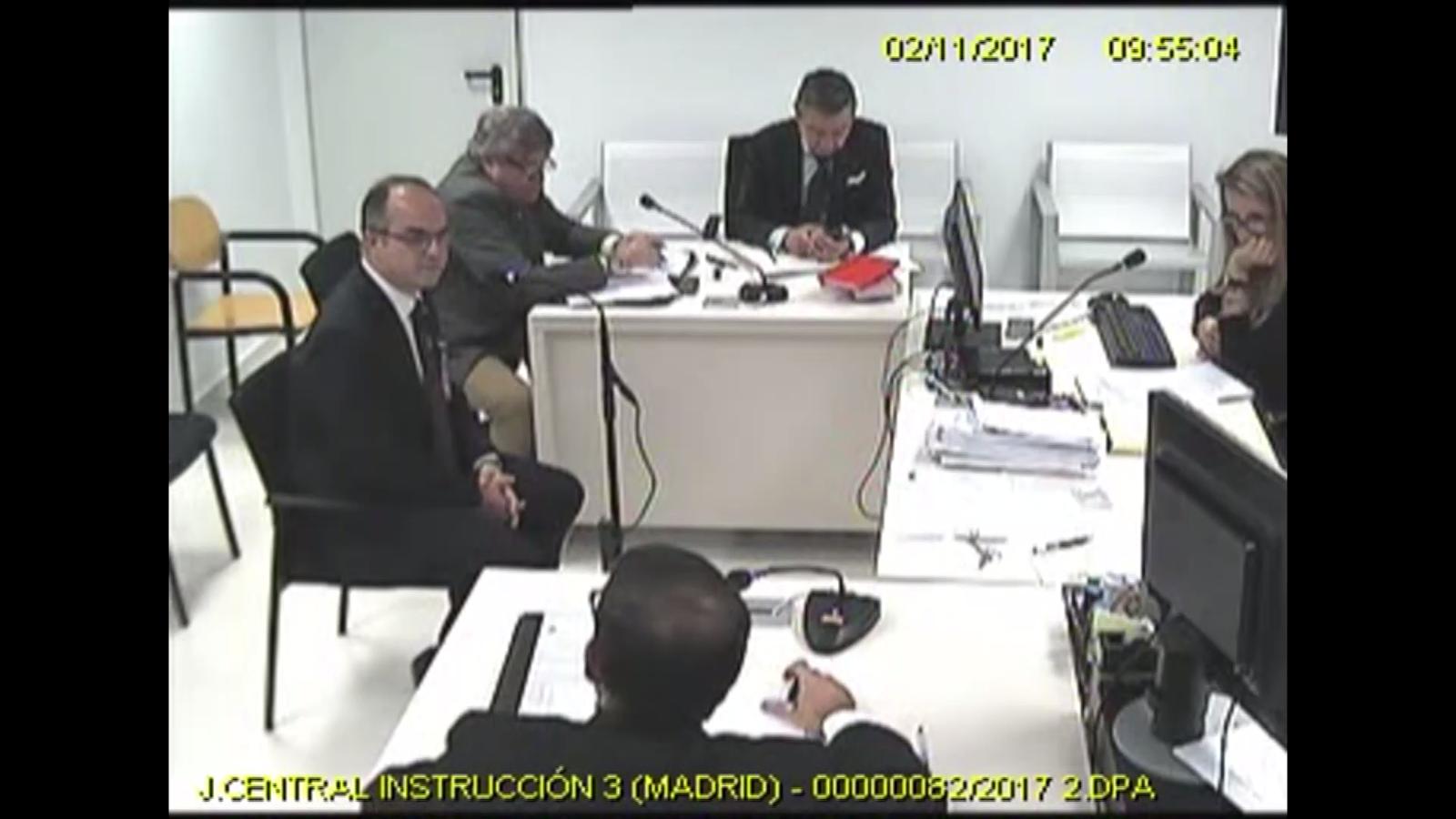Imatges de la càmera de la sala de l'Audiència Nacional amb la magistrada Carmen Lamela interrogant diversos exmembres del Govern com Borràs, Bassa, Romeva, Rull, Turull o Mundó