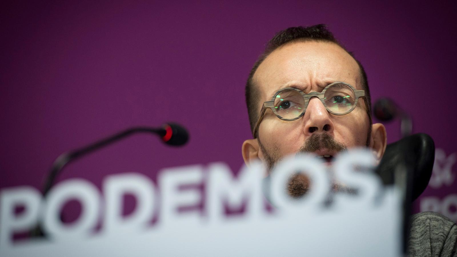 El portaveu de Podem, Pablo Echenique, durant la roda de premsa