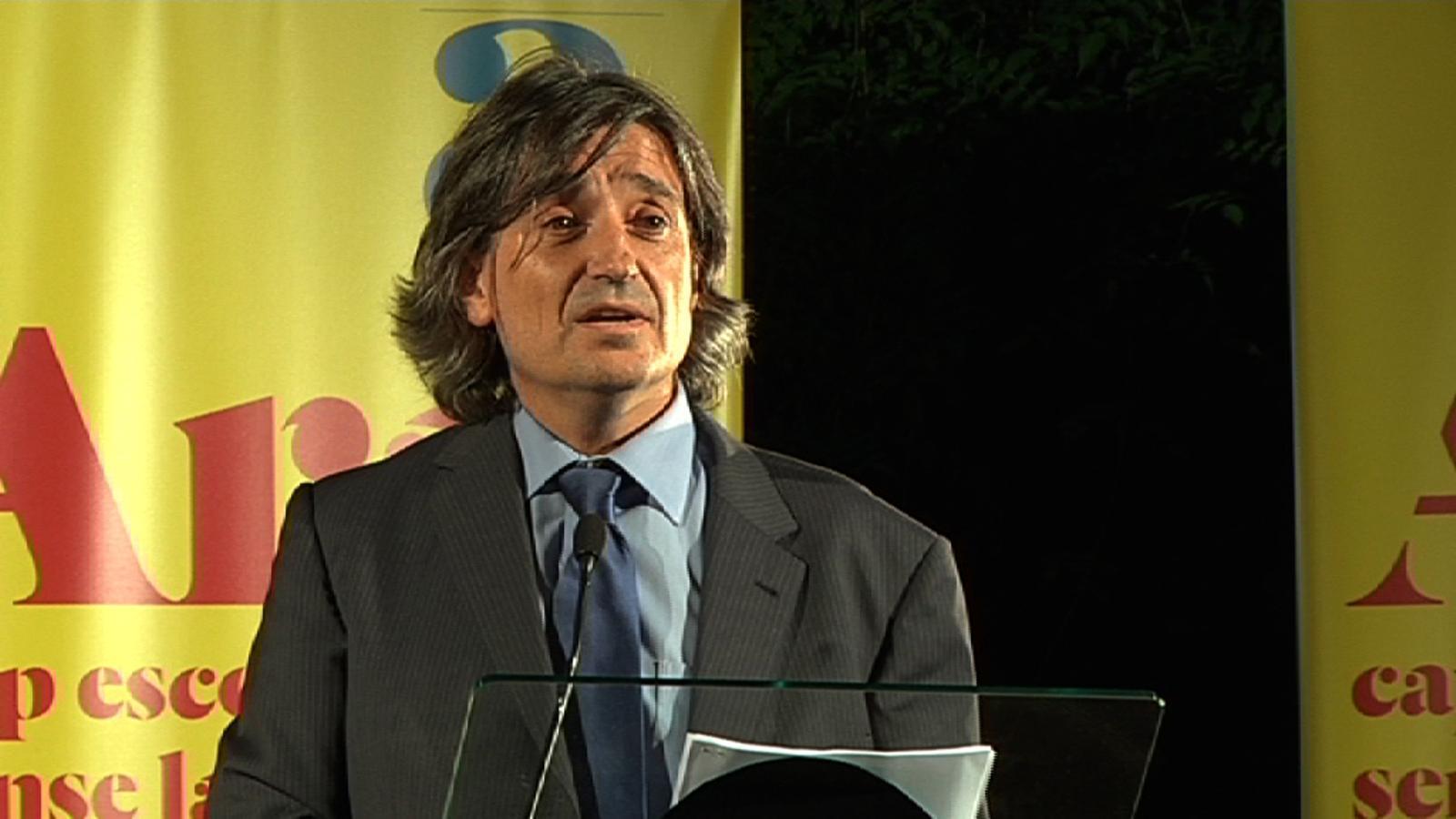 Carles Capdevila: Quan tothom ven ganivets, cassoles i tovalloles, nosaltres oferirem clàssics en llatí i grec!