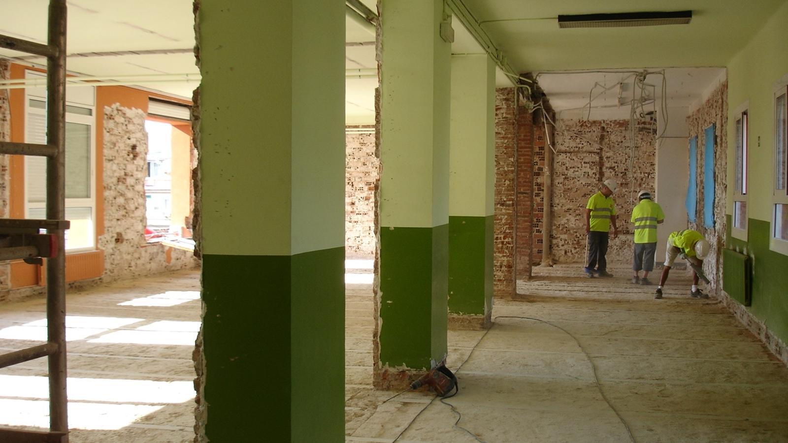 Durant el 2012 s 39 han reformat 300 escoles de la ciutat for Escoles de disseny d interiors a barcelona