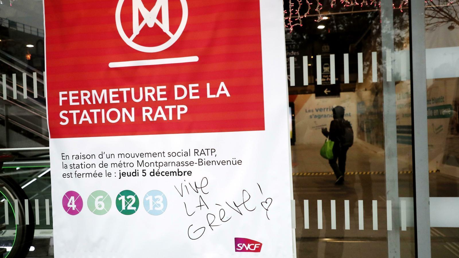 La vaga a França obliga a cancel·lar 49 vols a Catalunya