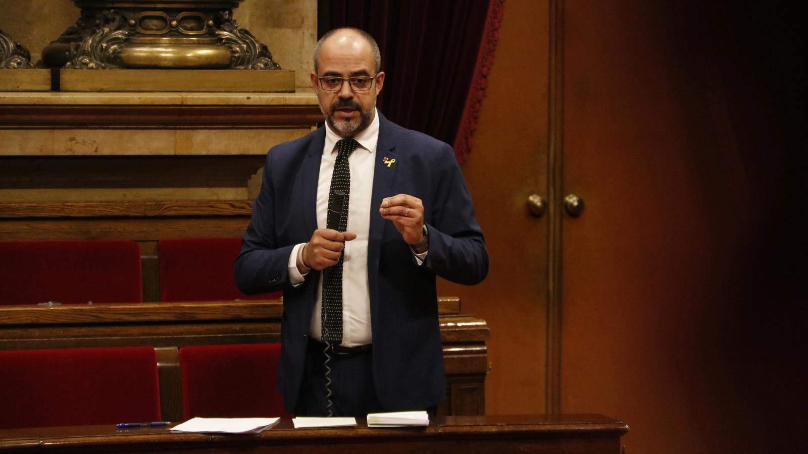 El Govern es compromet a expulsar els mossos involucrats en l'agressió racista