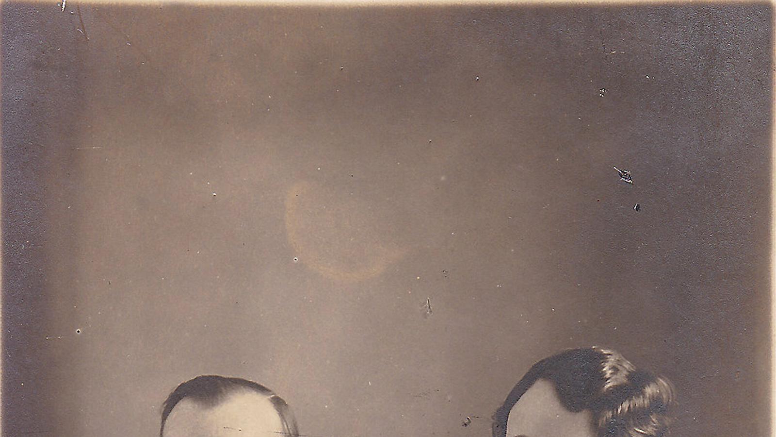 Rosa Santacana amb Joan Comorera en una de les imatges més antigues de la parella.