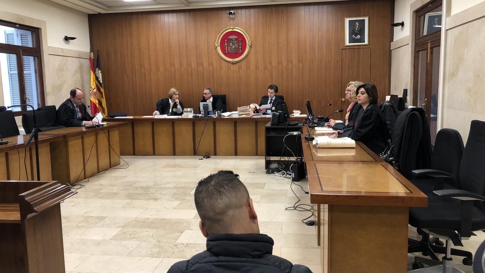 Expulsaran de Balears a un condemnat per agressió sexual i maltractament continuat a la seva parella