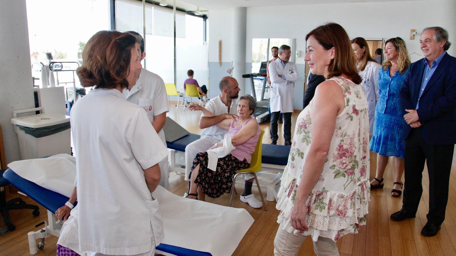 Armengol, durant la visita a l'Hospital Sant Joan de Déu de Palma