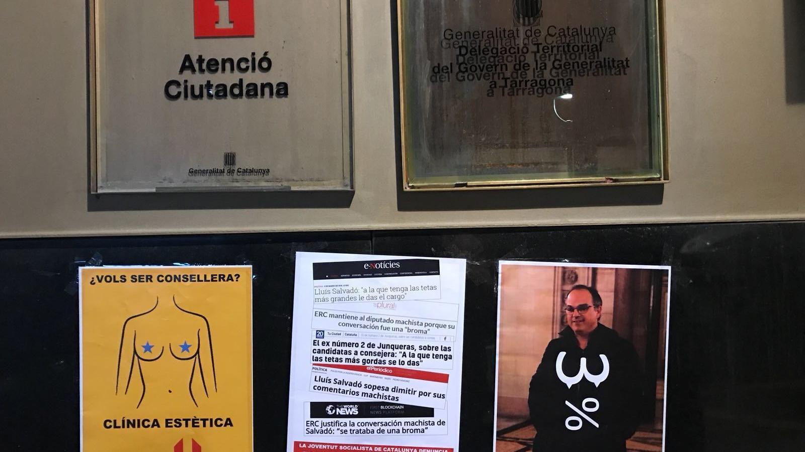 Cartells de la JSC a la Delegació Territorial del Govern a Tarragona