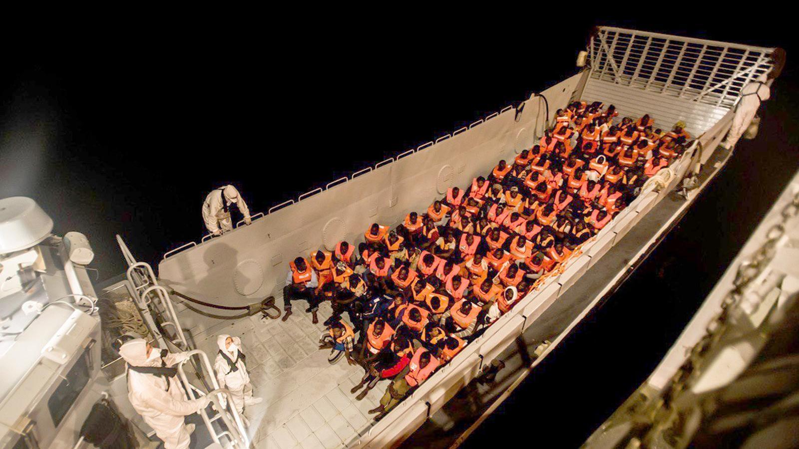 L'anàlisi d'Antoni Bassas: 'Urgència a alta mar, fredor d'Europa, indigència als carrers'