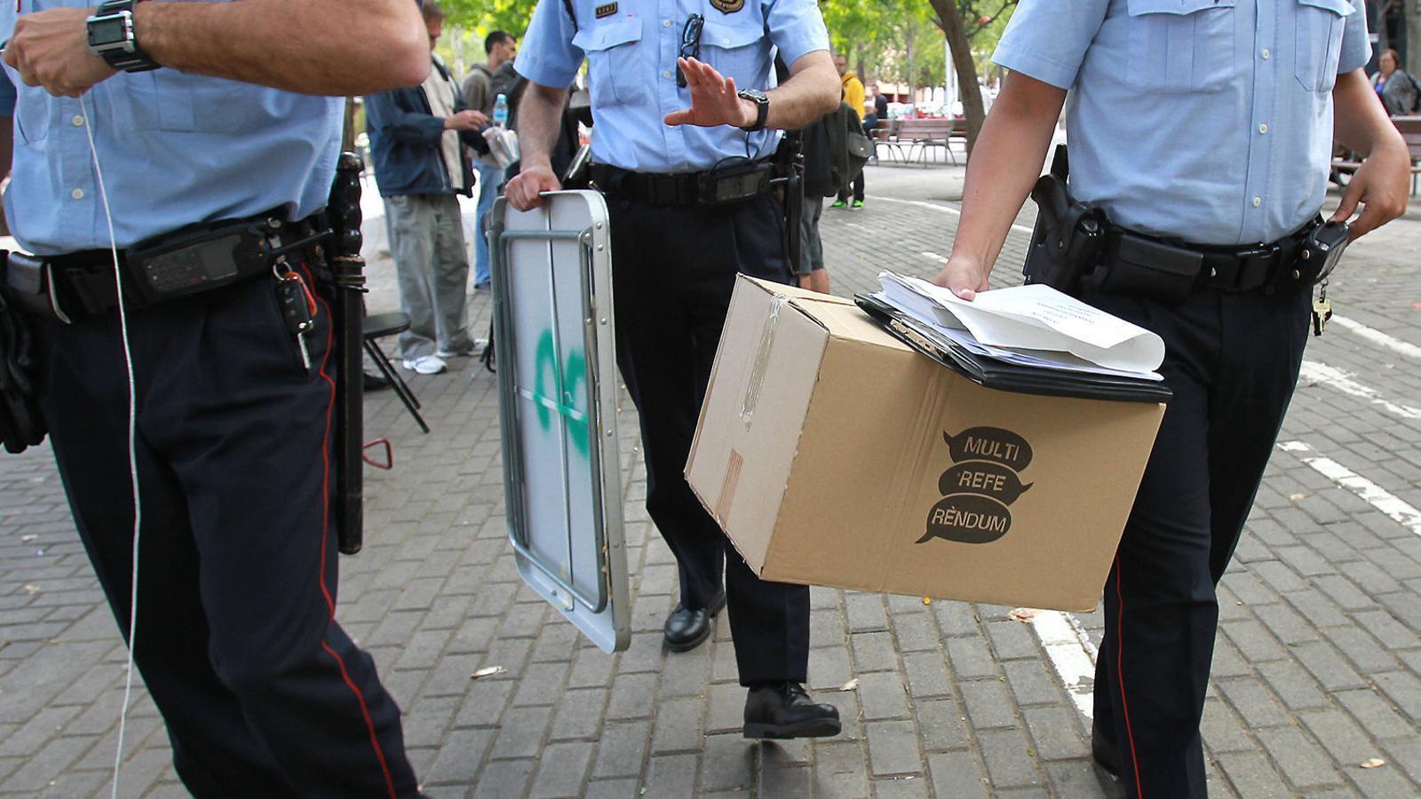 L'Estat activa els cossos policials per impedir el referèndum