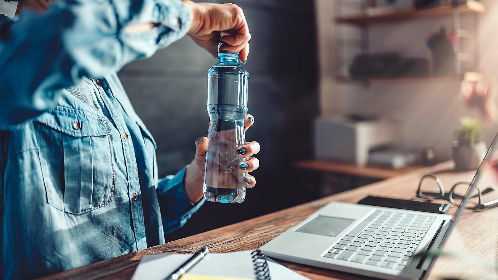 Beure més aigua: el propòsit més popular per al 2020