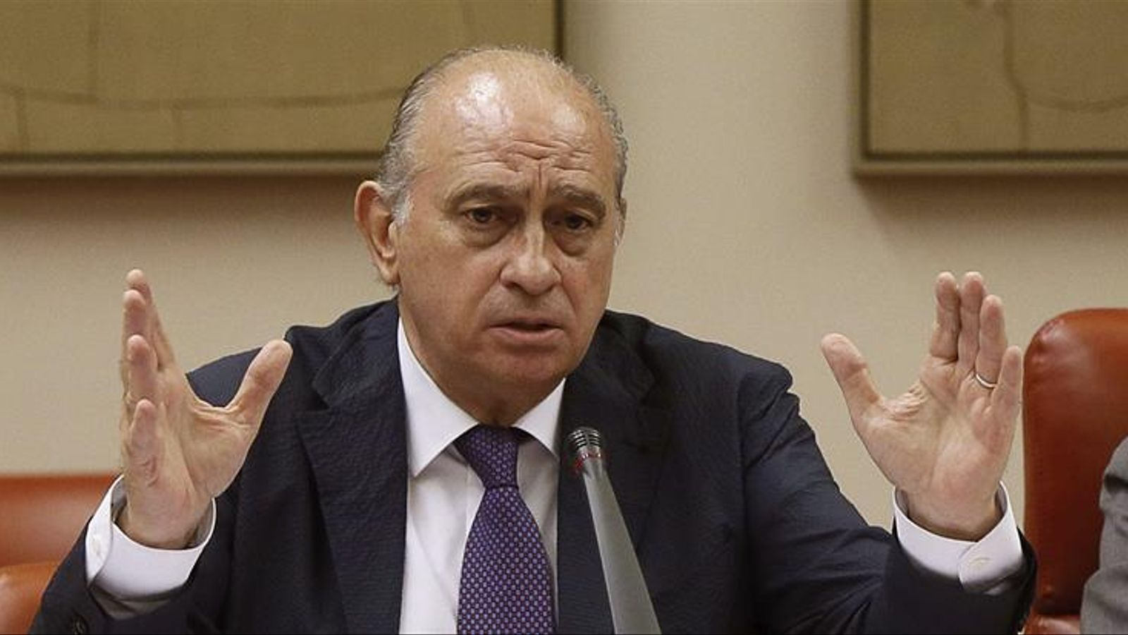 El ministre de l'Interior, Jorge Fernández Díaz, durant la compareixença a la comissió d'Interior del Congrés / EFE