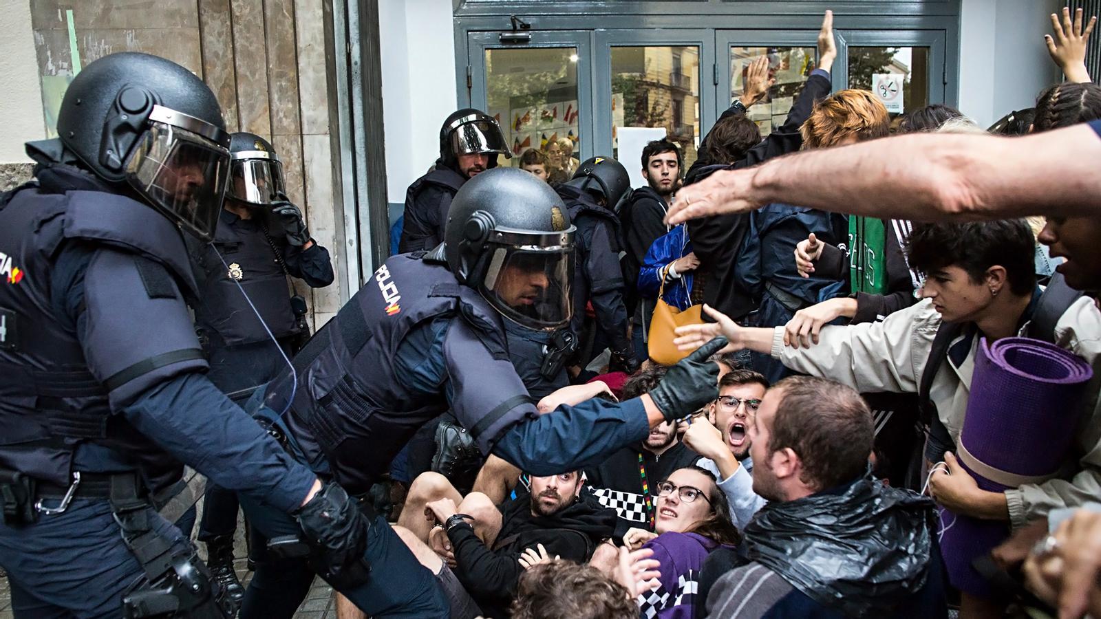 L'anàlisi d'Antoni Bassas: 'Davant la manifestació provocadora de la policia, d'aquest dissabte'
