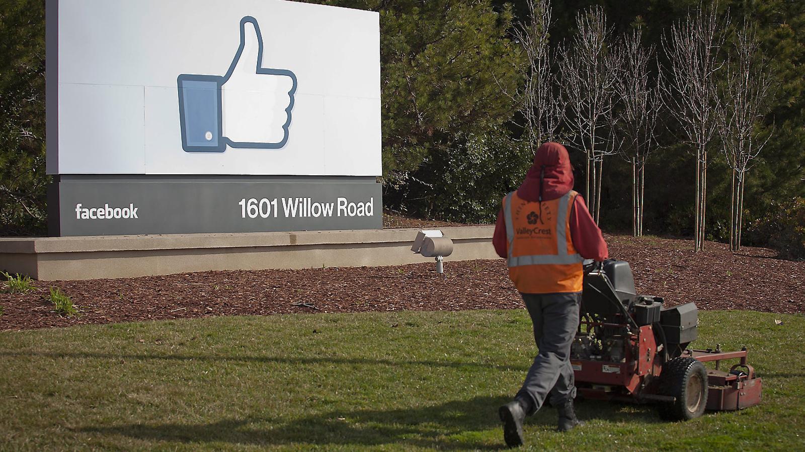 Entrada de la seu de Facebook a Califòrnia, als Estats Units.