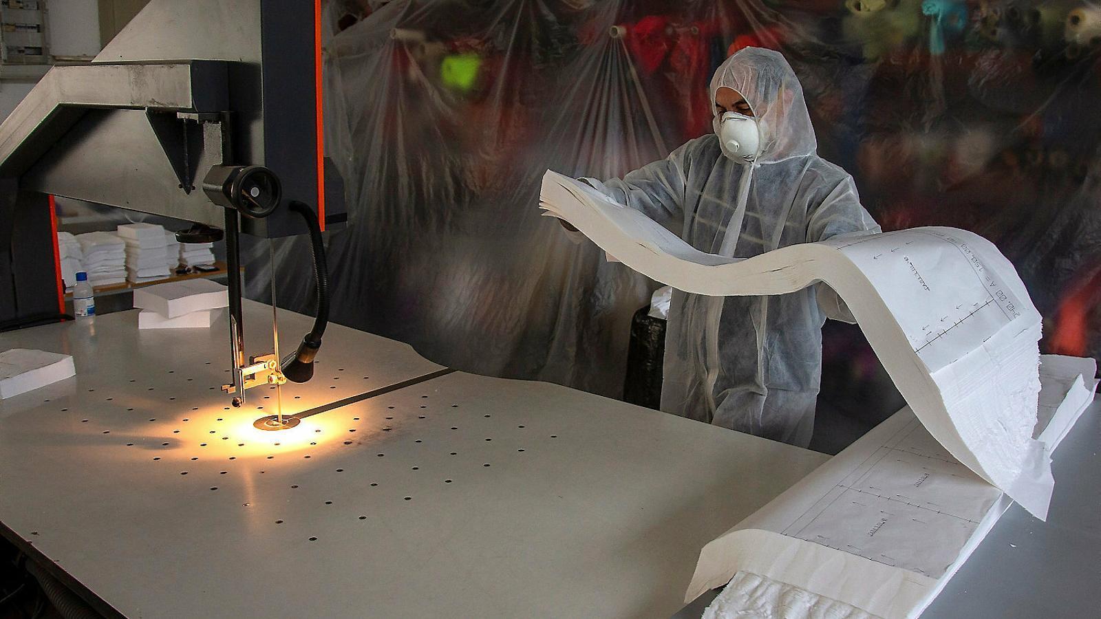La centralització de mascaretes posa en risc l'estoc dels hospitals